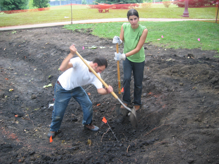 Students digging the rain garden (Fall 2006)